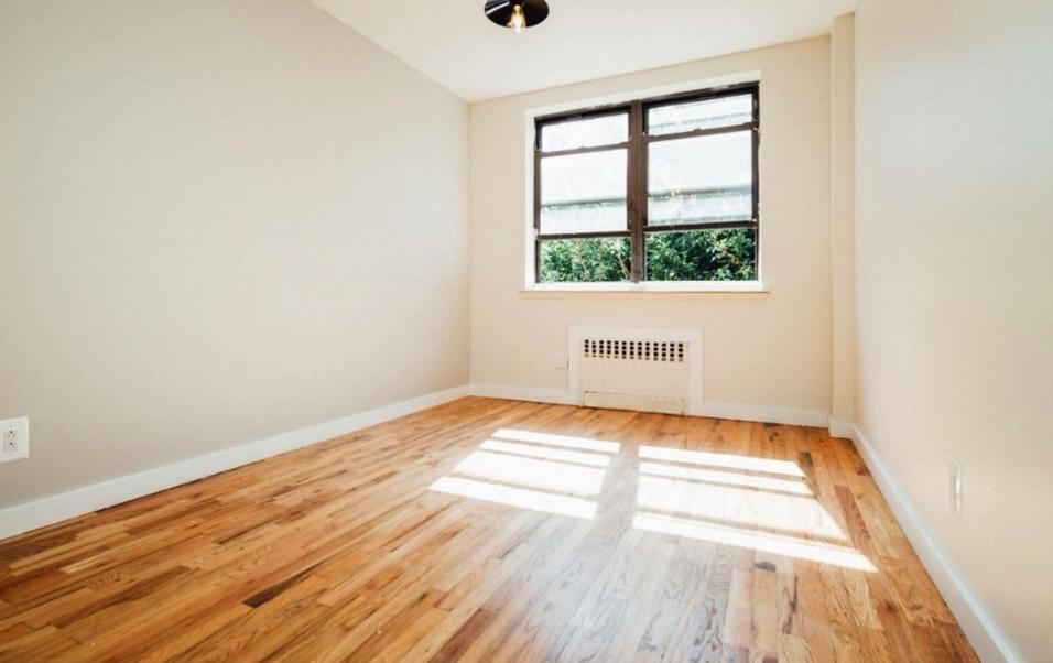 apartment listing photo of empty bedroom