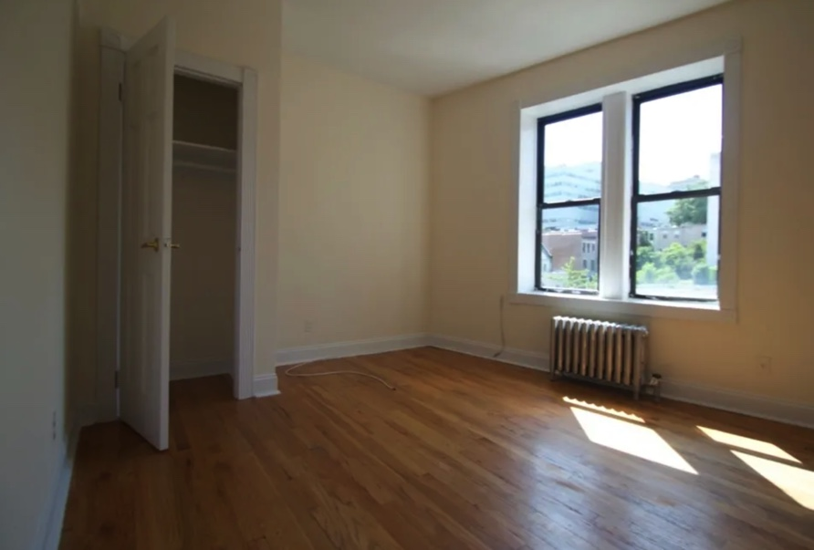apartment photo empty bedroom with closet space