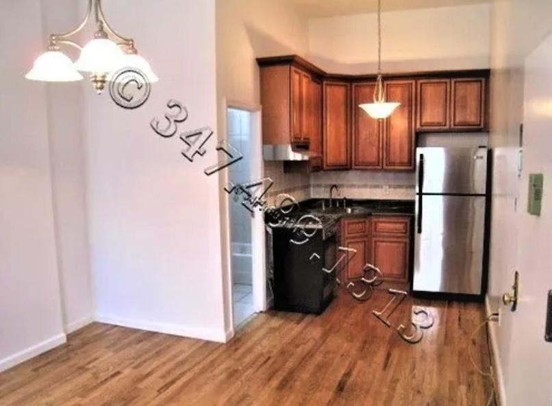 apartment listing photo of kitchen